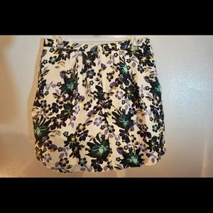 H&M Skirts - Floral circle skirt! Perfect for fall translation!